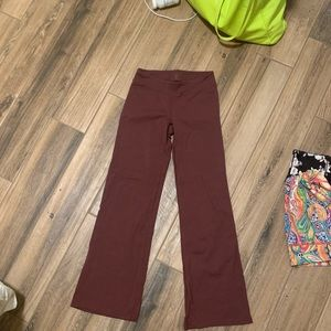 Athleta boot cut yoga pants burgundy